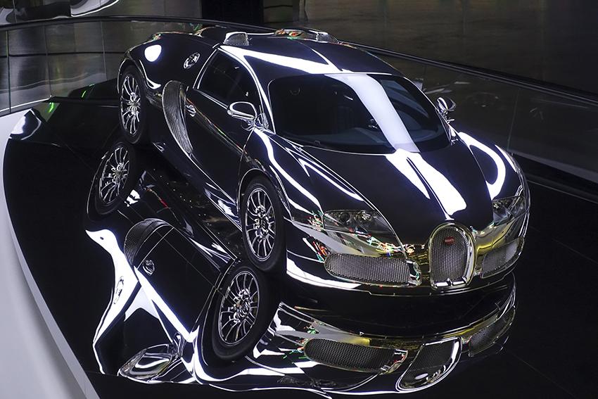 https://mittenimnorden.de Autostadt Wolfsburg Supersportwagen Bugatti schwarz